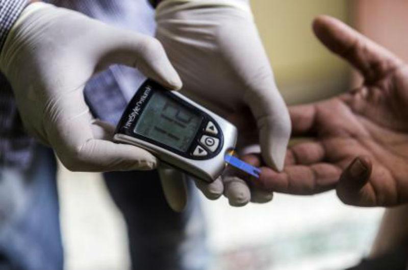 9f67b04441710 Una nueva generación de dispositivos hace que revisar los niveles de glucosa  sea más discreto y sin agujas